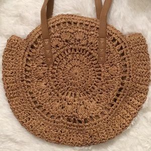 Straw large round purse